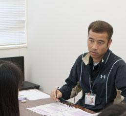担任教員による、学生一人ひとりと向き合う就職相談